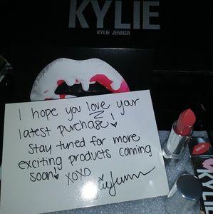 Kylie Jenner Creme Lipstick MADELEINE